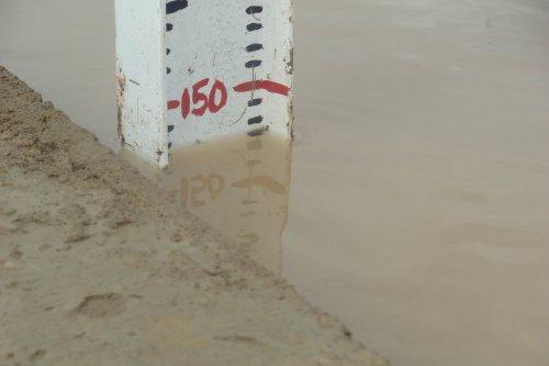 Mali microdam - Testing the water retention level-min